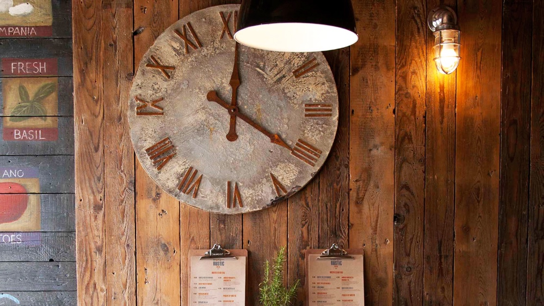 Rustic interior clock2